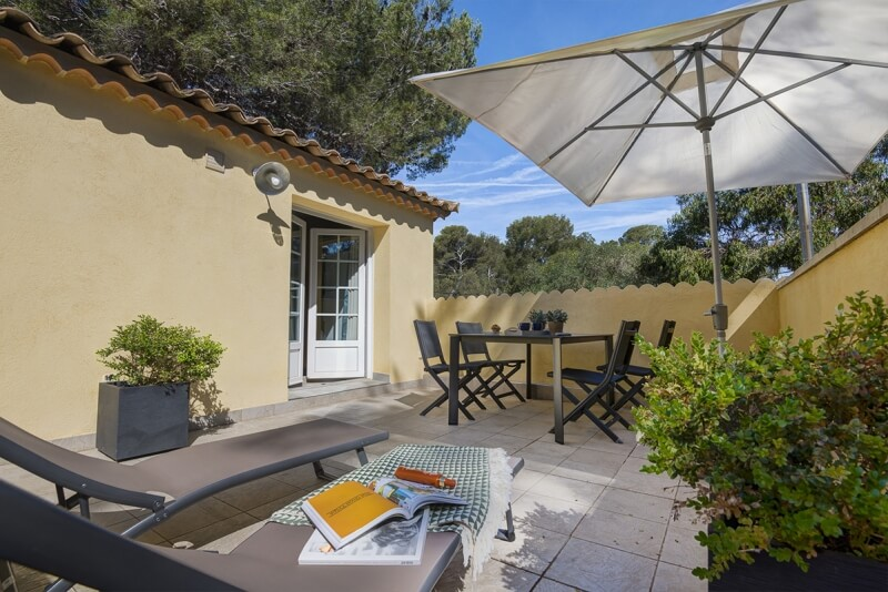 Camping Giens Holiday apartment rental on a campsite